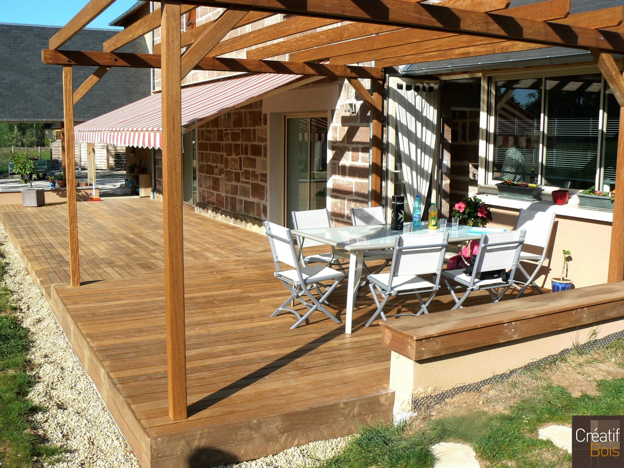 terrasse bois avec pergola varetz corr ze 19 r alisation. Black Bedroom Furniture Sets. Home Design Ideas