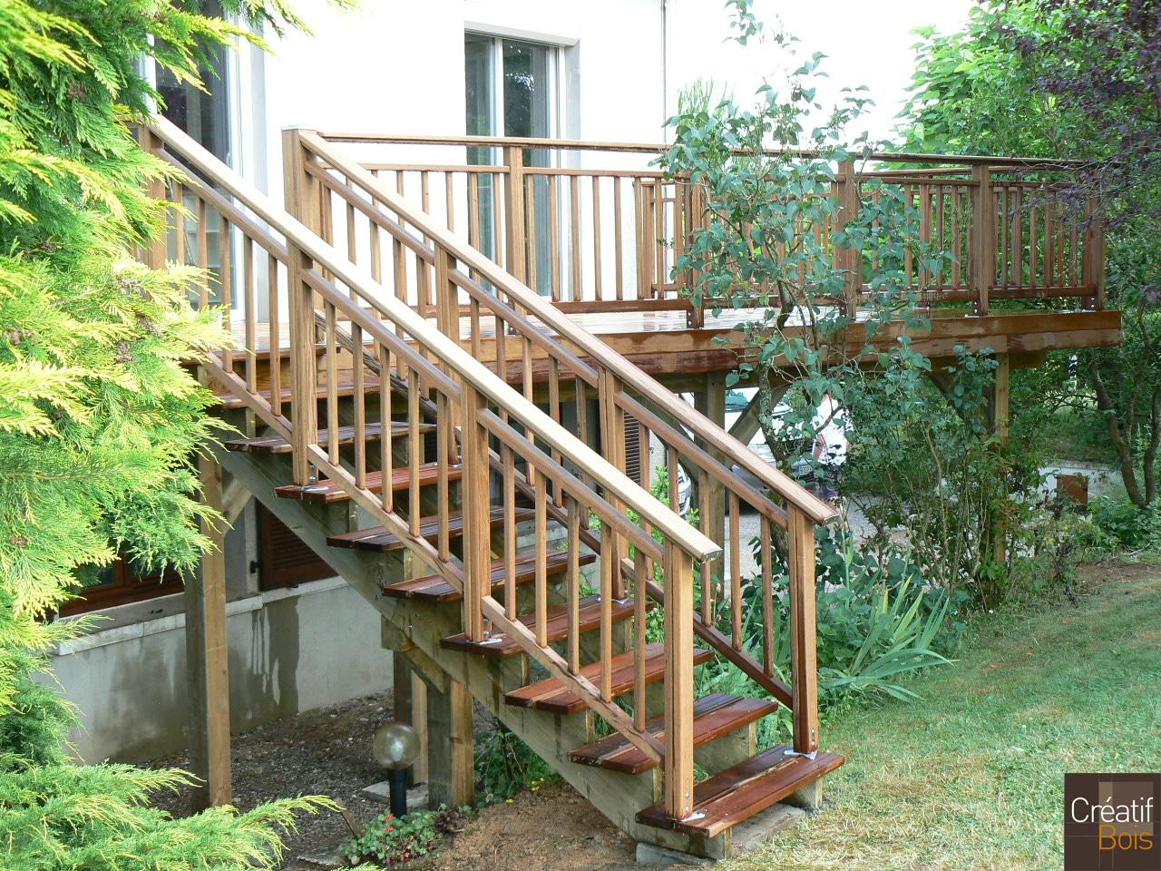 escalier bois en hauteur journiac haute vienne 87 escaliers ext rieur galerie cr atif. Black Bedroom Furniture Sets. Home Design Ideas
