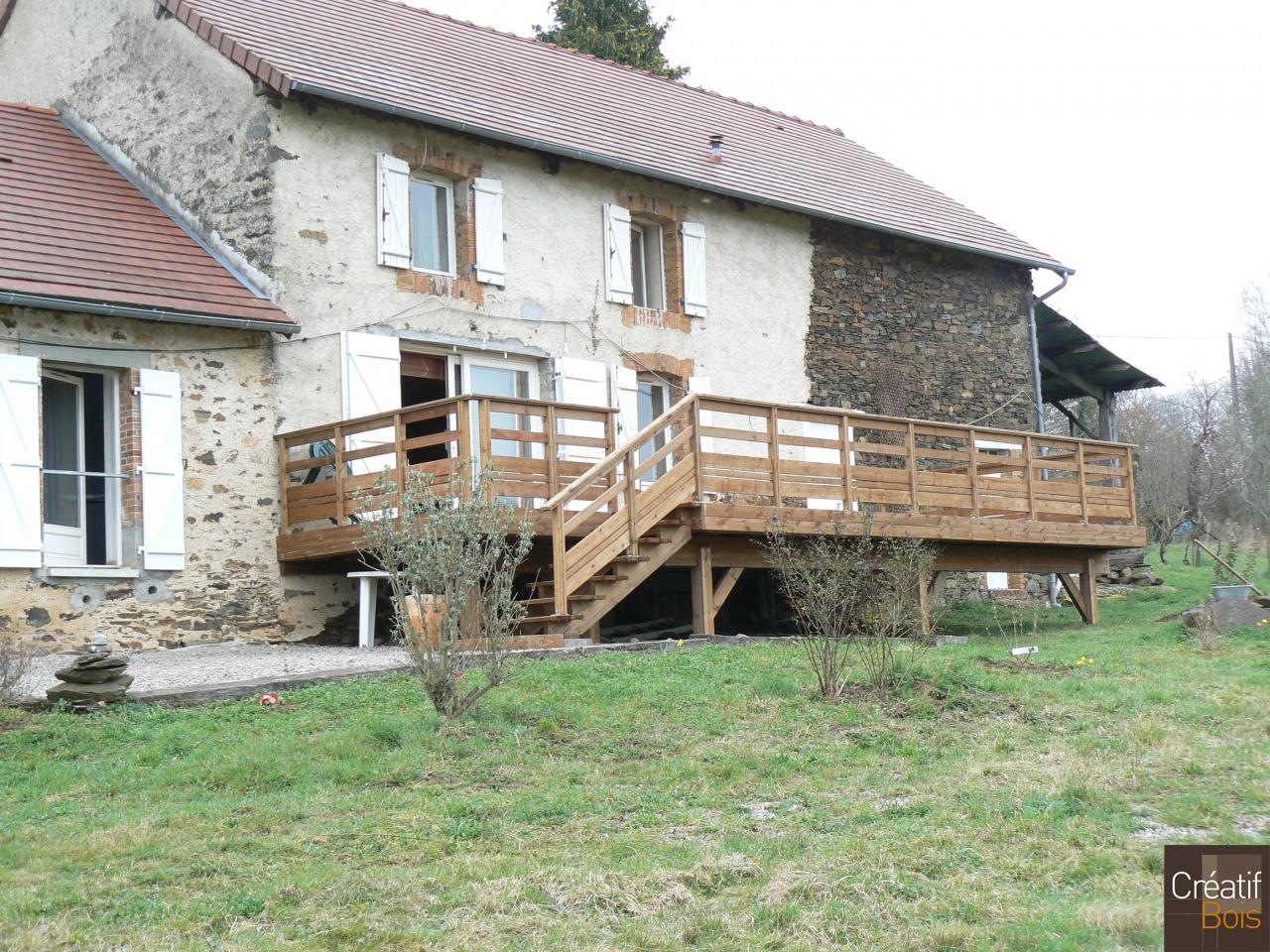 Terrasse bois autoportante vic sur breuille haute vienne for Escalier de terrasse bois