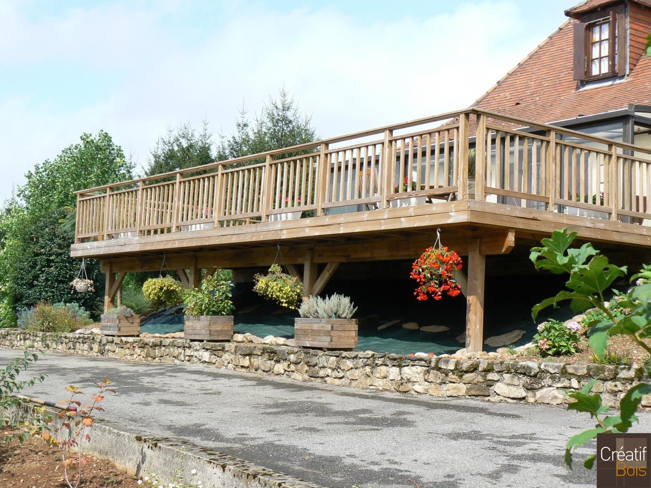 terrasse bois sur poteaux hautefage corr ze 19 r alisation terrasses cr atif bois galerie. Black Bedroom Furniture Sets. Home Design Ideas