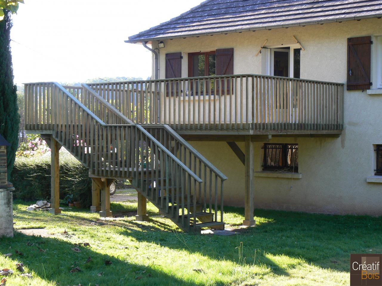 Escalier bois objat corr ze 19 escaliers ext rieur for Piscine ambiance brive