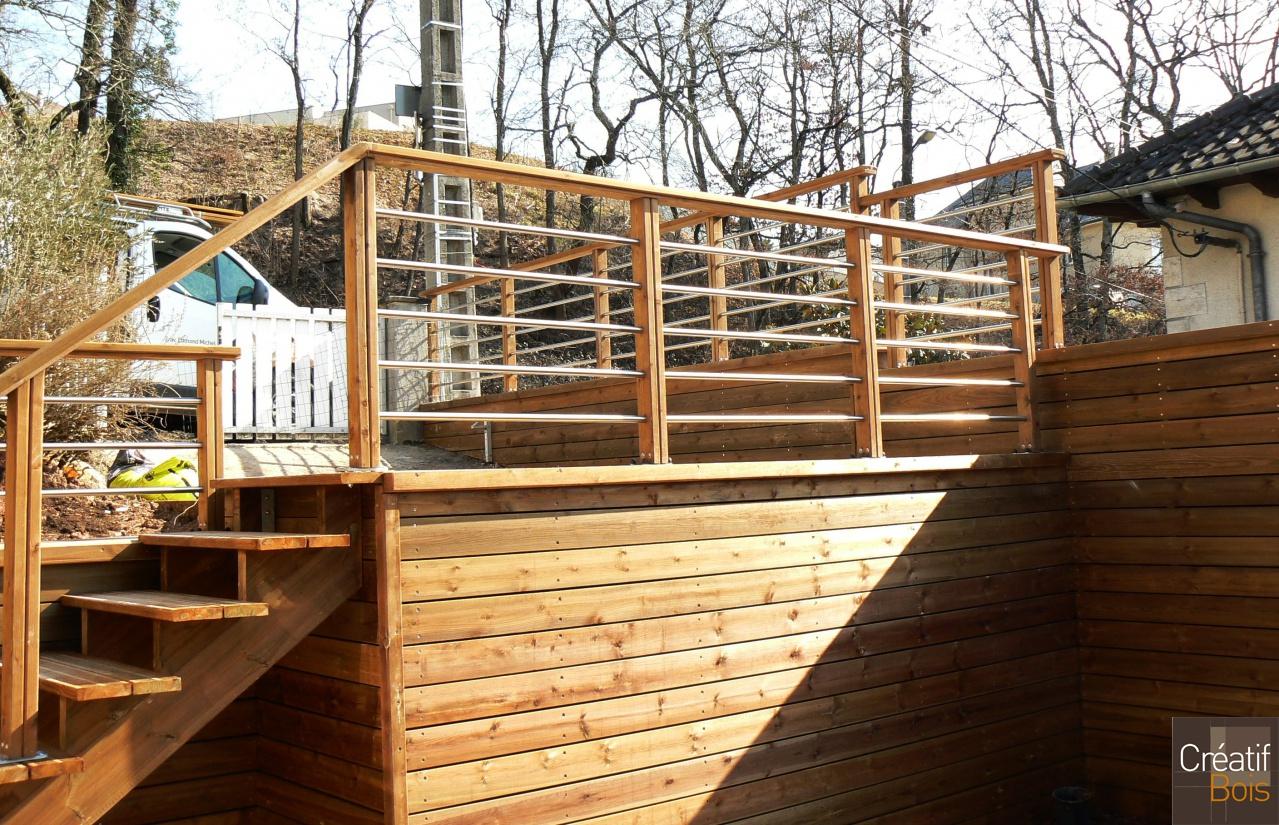 Main courante en bois et garde corps brive la gaillarde for Main courante escalier exterieur