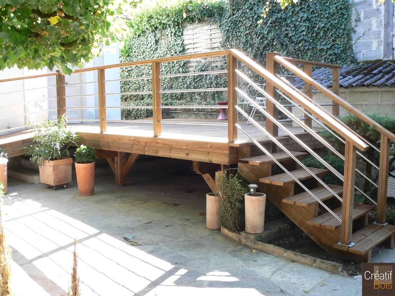 escalier en bois brive la gaillarde corr ze 19. Black Bedroom Furniture Sets. Home Design Ideas