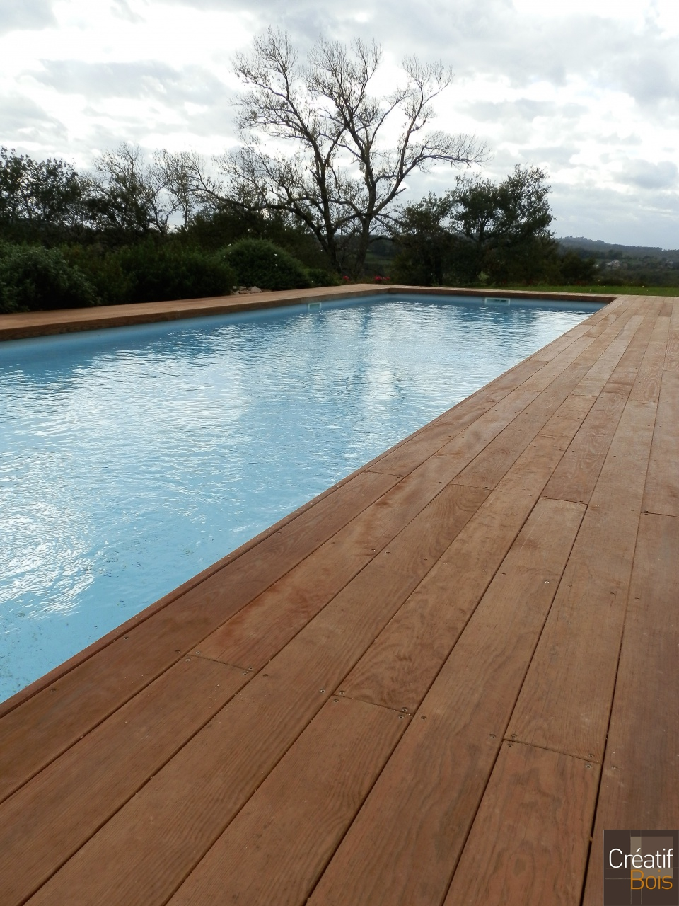 Plage de piscine brive corr ze 19 plages de piscine for Piscine brive