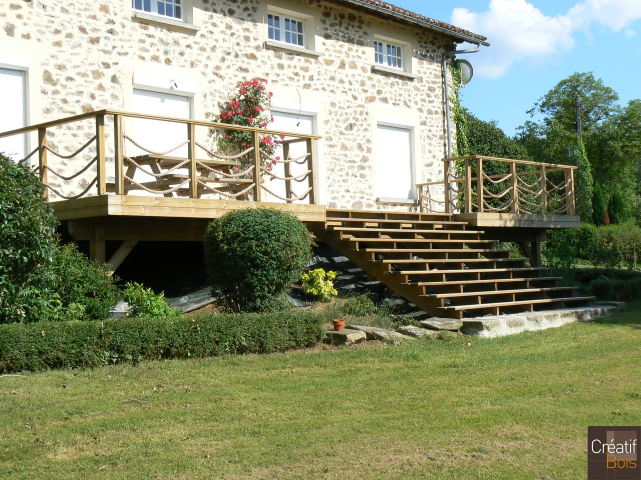 terrasse bois en hauteur escalier bois panazol haute. Black Bedroom Furniture Sets. Home Design Ideas